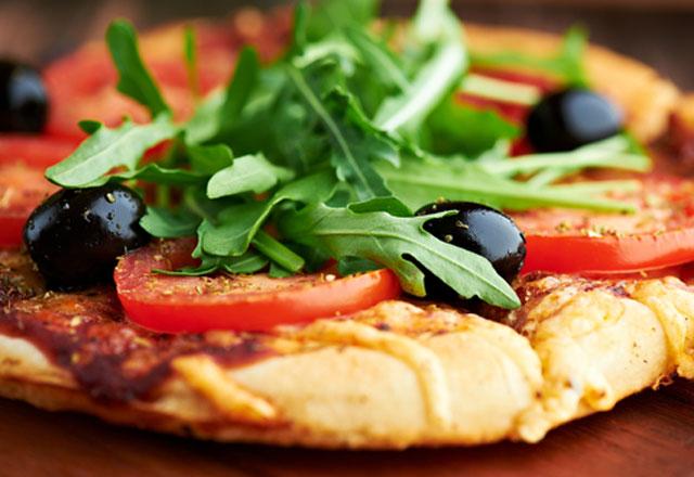 pratik-diyet-pizza-tarifi