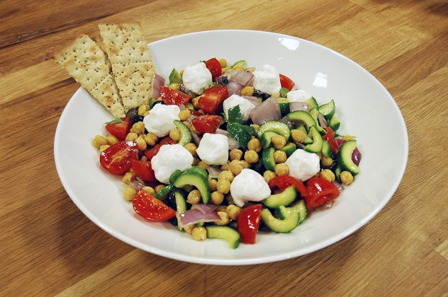keçi-peynirli-nohut-salatası-632x420